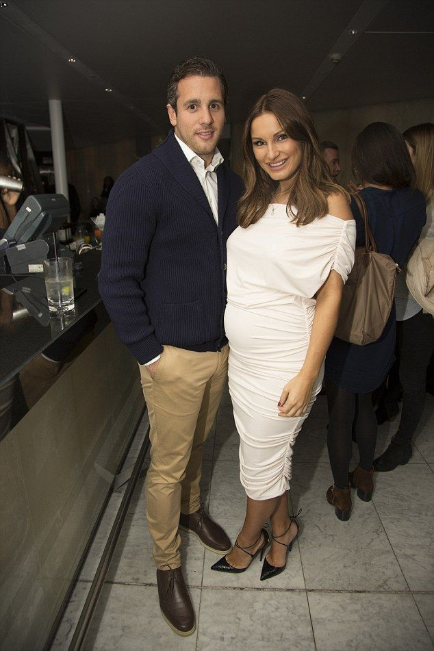 Sam Faiers.. Gorgeous Couture The Paloma dress.. #chicbump #stylethebump #sexybump