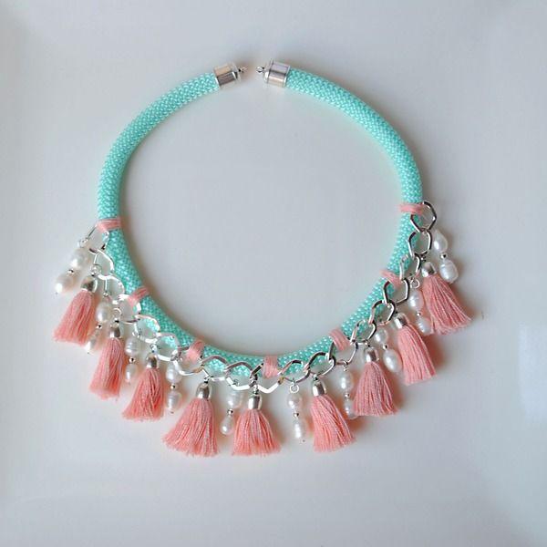 Collar Corto de Cuerda de escalada con Perlas y Borlas de dos&12 por http://dosy12.dawanda.com