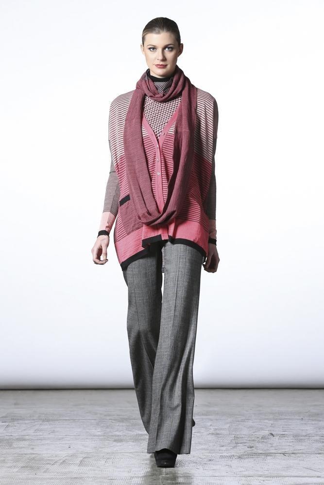 #pianurastudios #fallcollection #wintercollection #greenbird #abudhabi #abudhabistyle #abudhabifashion #dubai #dubaistyle #dubaifashion #marinamall #womenswear #casualwear #fall2013 #winter2014 #fallwinter2014 #fw2014 #runway #greypants #greyjeans #scarf #layered #layeredscarves #printed #printedshirt #cardigan #striped #stripedcardigan #pinkandgrey #oversized #casual #chic
