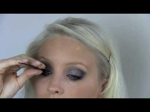 Pamela Anderson Make-up Tutorial