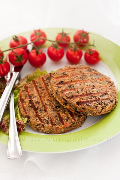 Black bean burgers...  The recipe is in Italian which really helped my rusty head-cogs to turn ;)