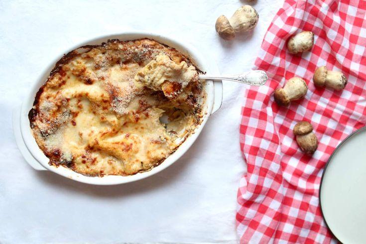 Lasagnes à la crème et au parmesan  http://www.royalchill.com/2016/11/25/lasagnes-a-la-creme-de-cepes-et-au-parmesan/  #food #photography #comfortfood #lasagna #lasagnes #champignons #cuisine