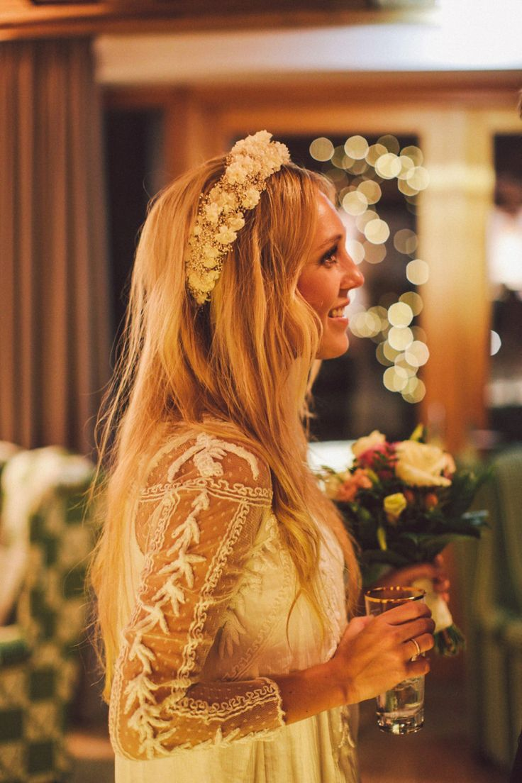 Bride wears a hippie chic wedding dress from Free People | Photography by http://www.nancy-ebert.de/