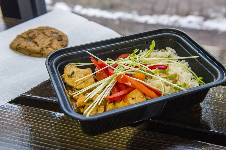 Prepared meal delivery options in Toronto will save you from ordering pizza time after time. The city is now home to multiple food delivery service...