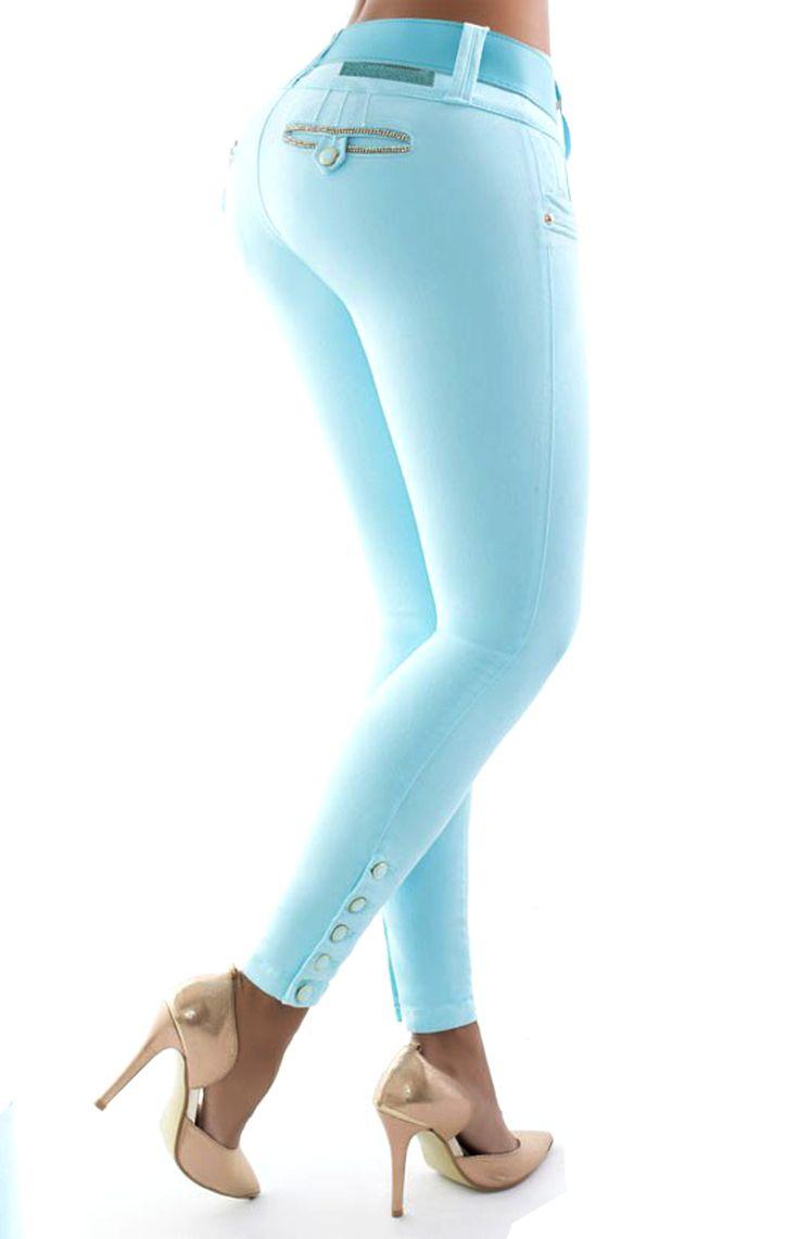 Los vaquero TURQUESA push up, son ampliamente conocidos por el efecto pum-up que incorporan un nuevo estilo gracias al diseño de pinzas laterales, creamos un patrón exclusivo para controlar el abdomen #Vaqueroscolombianos#Vaquerospushup #jeanspushup#Vaquerospitillo#pantaloncolombiano #tejanos los consigues en www.hadabella.com