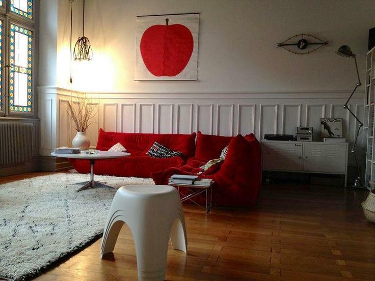 Svetainės interjero akcentas - ryški sofa #interjeroidejos