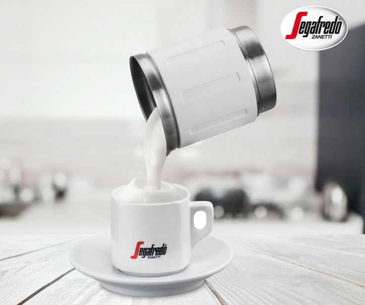 Must have w domowym zapleczu baristycznym jest spieniacz, który pozwoli na spienienie zarówno zimnego jak i ciepłego mleka. #Segafredo #SklepSegafredo #domowybarista #napojekawowe #spieniacz #mleko #cappuccino #latte #macchiato
