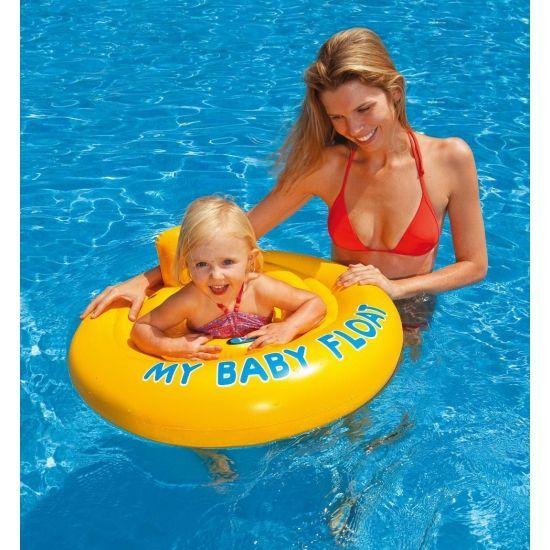 Opblaasbare baby float geschikt voor een baby van 6 maanden tot een jaar en tot 11 kilo. De band is voorzien van een grote buitenring voor extra stabiliteit. Afmeting: 70 cm. De baby float is voorzien van twee luchtkamers met veiligheidsventielen.