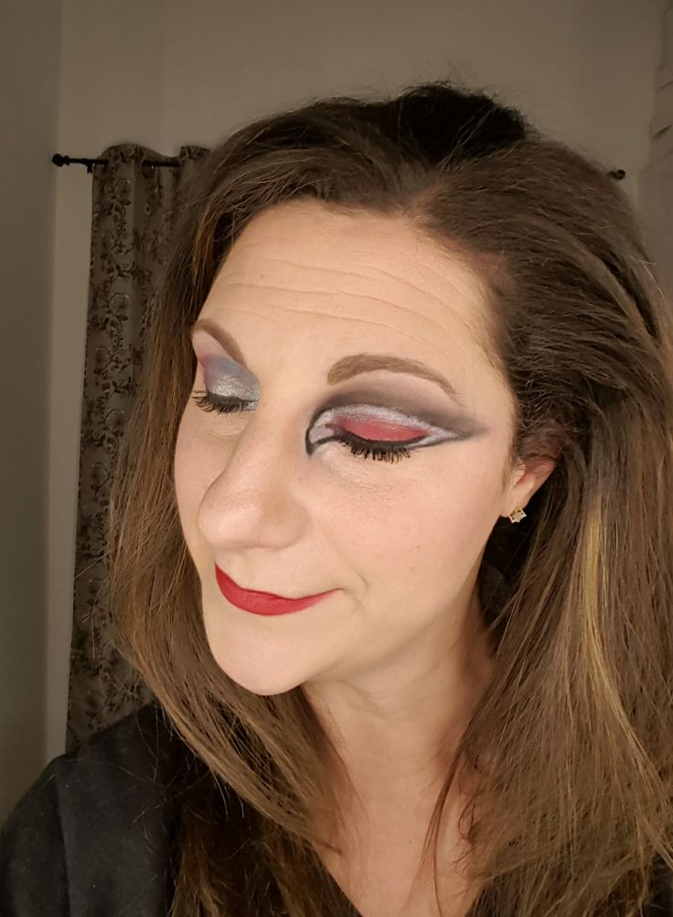 Falcons eye makeup. Younique matte lipstick for eyeshadow.   click on image for products