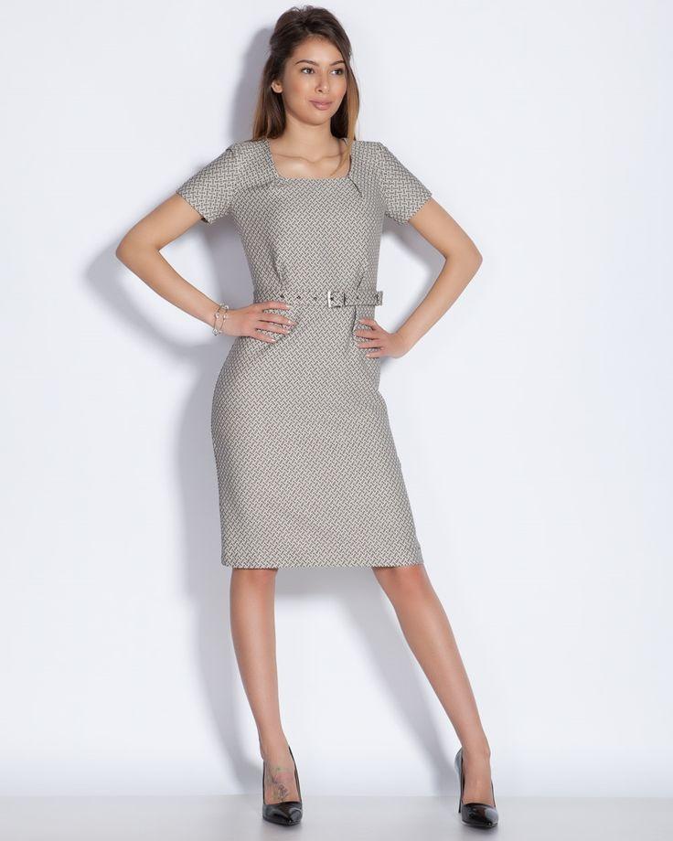 Макси мода и дрехи в големи размери можете да намерите в онлайн магазин SIRENA plus. Рокля голям размер, както и много панталони за макси дами, големи номера туники и блузи.