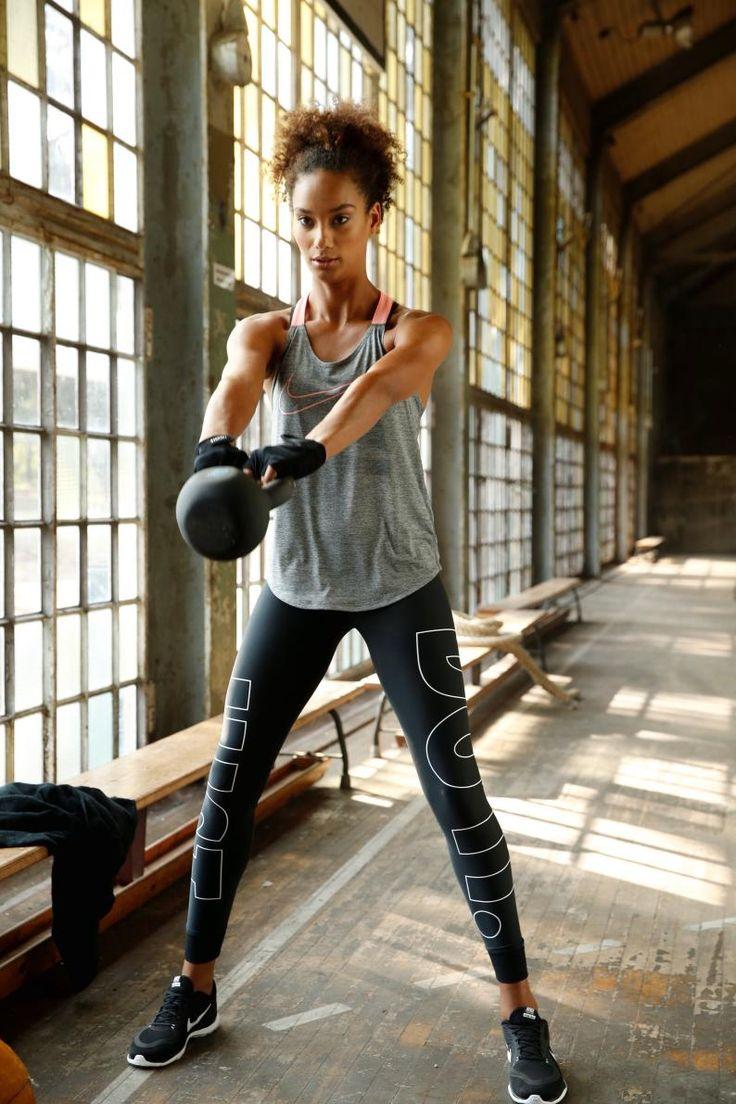 Neues Jahr, neue Sportstyles: Mit der vielseitigen Sportmode von Nike bist du f…