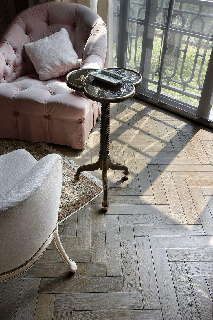 Warna dan motif menjadi faktor paling penting dalam pemilihan lantai kayu untuk rumah anda. Untuk itu sesuaikan warna dan motif dengan konsep rumah idaman Anda.    #RecycledWoodFlooring #Engineeredwoodflooring #wood #parquetflooring #refinishingwood #ReclaimedWoodFlooring #teak #woodfloor #art #design #interior #interiordesign #lantaikayu #flooring #Parquet #purewood #gracewood #livingroom #home #parket #architecture #instagram #floorart #solidwood #solidwoodflooring #natural