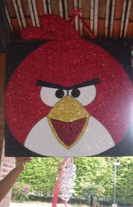 Facebook: GLOBOS Y MANUALIDADES (la del payasito fondo naranja. *Piñata (Angry Birds)*