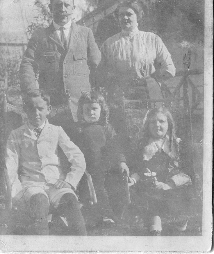 Groot Oupa CM Smith, Groot Ouma Lizzie Smith, Oom Samuel Smith, Oupa Campbell Martin Smith & Lily Smith