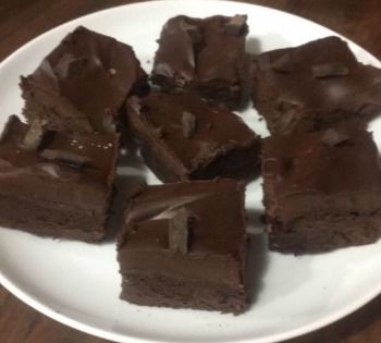 Flourless Brownies with Ganache Topping
