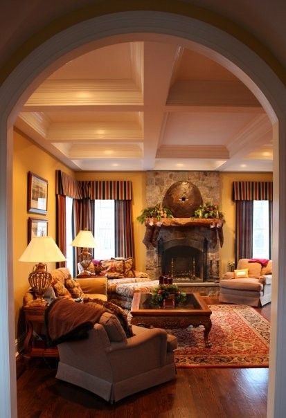 1000 Ideas About Cozy Family Rooms On Pinterest Tv Over Fireplace Rustic Floors And