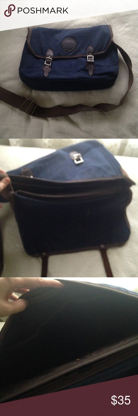 "Duluth Pack Cotton Canvas & Leather Messenger Bag A high quality, durable school or university bag. Perfect for your textbooks, laptop and tablet. The bag is in used condition, so there are signs of wear (see photos) including some fraying on the bottom corners, a white mark on the interior cover (likely washable) and a broken handle. Still very good to use if the handle is repaired. Made in USA. 11"" x 16"" x 4""  university, college, high school, MacBook, iPad, outdoors, rugged, heavy, books…"