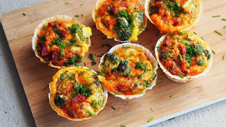 Eggmuffins med chorizo og brokkoli