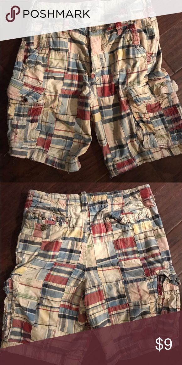 """Abercrombie and Fitch men's plaid shorts. Abercrombie and Fitch men's plaid shorts. Length from waist to bottom is 29"""" Abercrombie & Fitch Shorts Cargo"""
