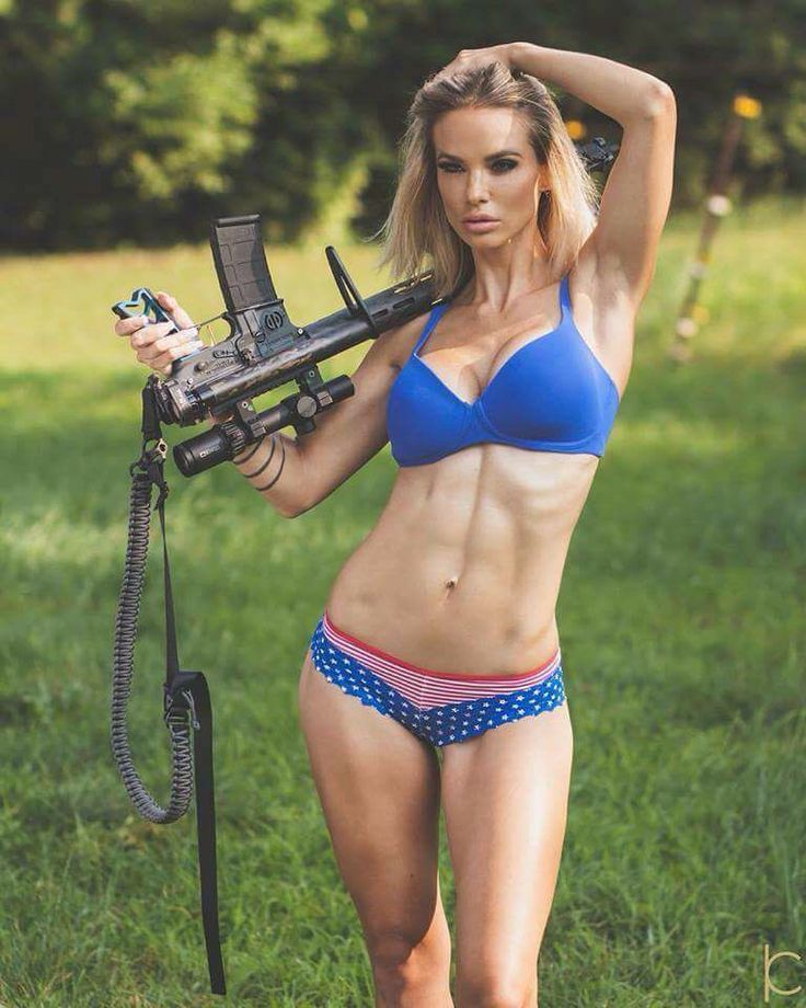 hunting-girls-in-bikini