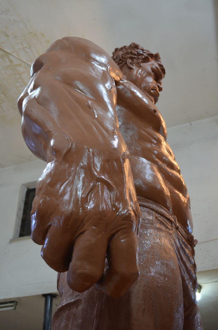 Hulk heykeli yakın çekim detay,Hulk clay sculpture