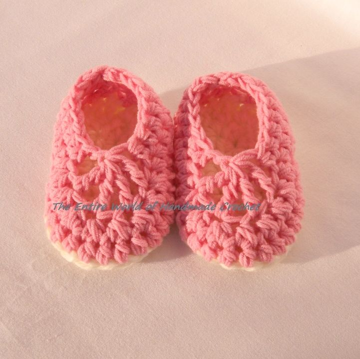 €13. Crochet tender-pink ballet sandals for a girl 6-12 months old. Ready to ship.