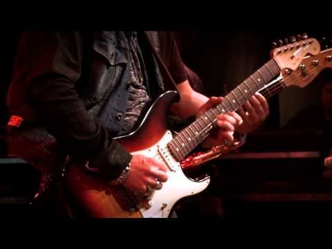 Warren Haynes with Brad Whitford + Joe Bonamassa -- Born Under a Bad Sign