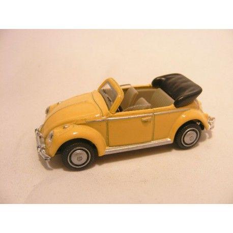 Volkswagen Kever cabrio 1:76 Cararama geel - vw beetle