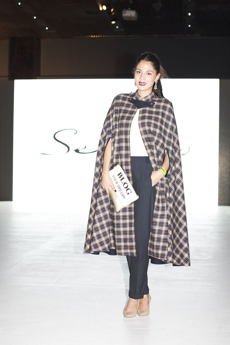 SANTIAGO FASHION WEEK DAY2. MORE DETAILS ON BLOG WWW.PAMELA-VICTORIA.COM #CAPE #VINTAGE
