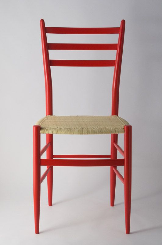 Chiavari chair mod. Gobbetta by Fratelli Levaggi in red lacquer. #chiavarichair #chair #chiavari