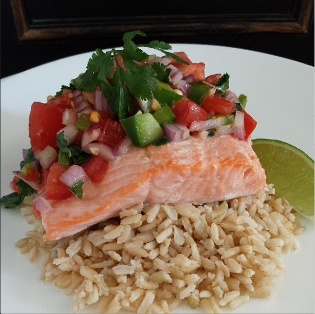Fiesta Salmon - Clean Food Crush Healthy Recipes http://cleanfoodcrush.com/fiesta-salmon/