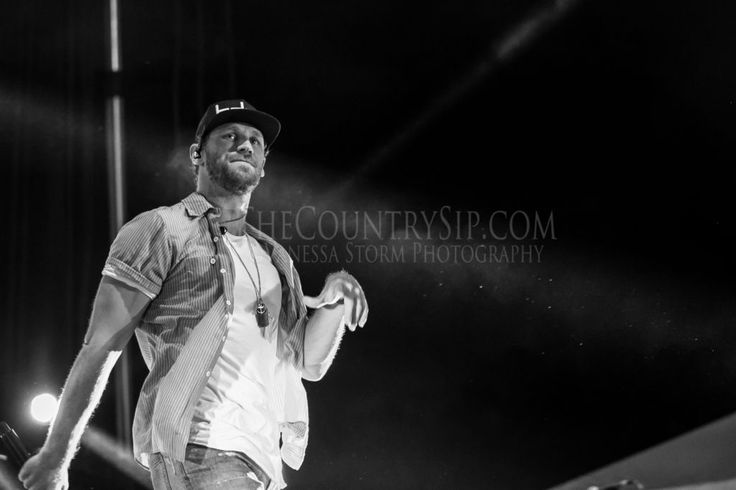 Chase Rice rolls his Everybody We Know Does Tour into Buford, Georgia