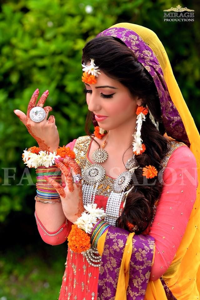 Mehndi Floral Jewellery Floral Creations By Reena 9e024314def3