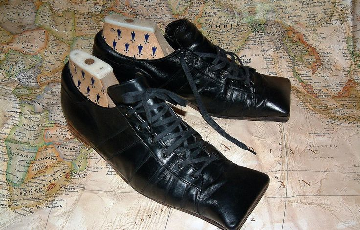 Vintage WORLDS END Pirate collection hammerhead shoes designed by Vivienne Westwood, circa 1981
