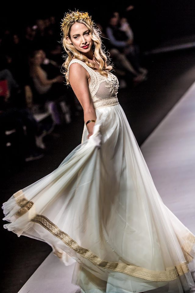 "mod ""Ijunia"" fashion show, vintage wedding dress, boho wedding dress, VG Ζolotas, Atelier Zolotas, Handmade wedding dress, women fashion, bridal fashion, bride, headpiece, jewelry, headband"