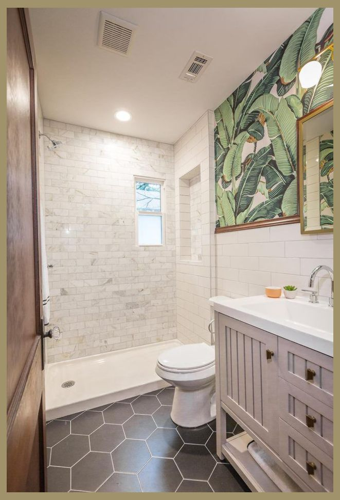 12 Inspiring Walk In Showers For Small Bathrooms Houzz Small Bathrooms Small Bathroom Ren R Small Bathroom Renos Bathroom Design Small Restroom Remodel