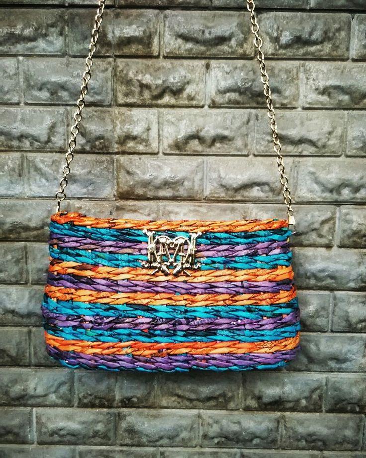 Trendy newspaper weaving purse