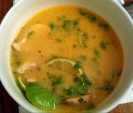 Rezept Tom Ka Gai (Thailändische Kokossuppe mit Hühnerfleisch) von mikmue - Rezept der Kategorie Suppen