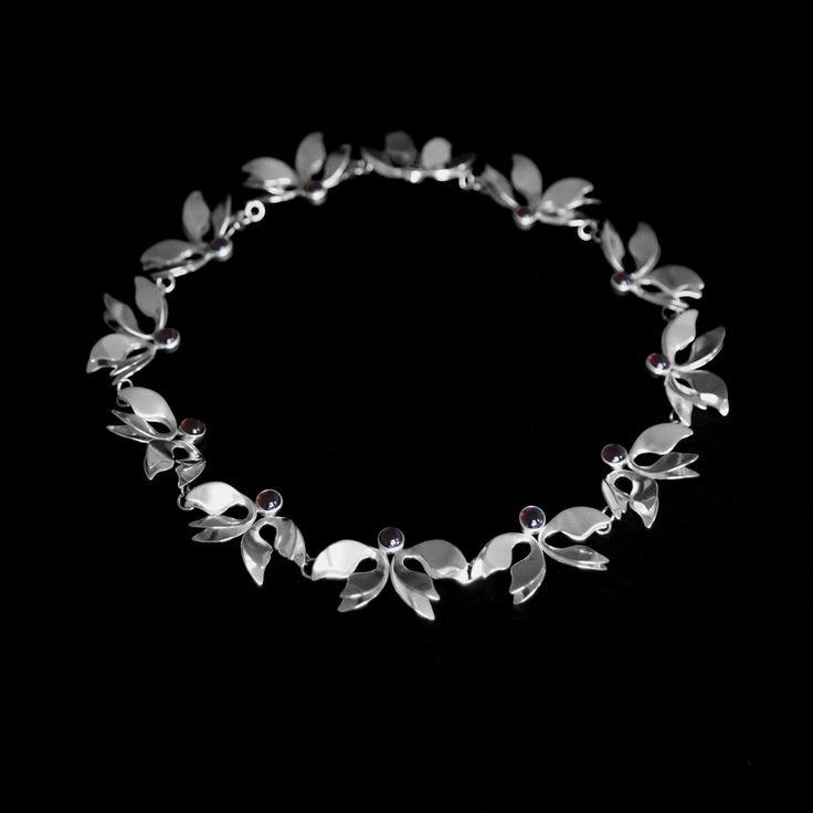 AURORA - Halsband av Johanna Eeva
