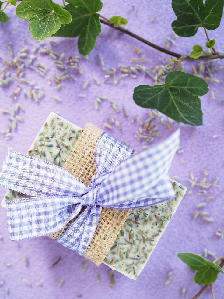DIY Lavender Soap / Itse tehty laventelisaippua