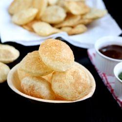 How to make Pani puri - Puri recipe - Indian chaat recipeINGREDIENTS: [MAKES 35- 40 PURIS] SEMOLINA | RAVA |SOOJI1/2 CUP ALL PURPOSE FLOUR |MAIDA2 TBLSP WATER3- 4 TBLSP SALTAS NEEDED BAKING SODAA PINCH OILFOR DEEP FRYING