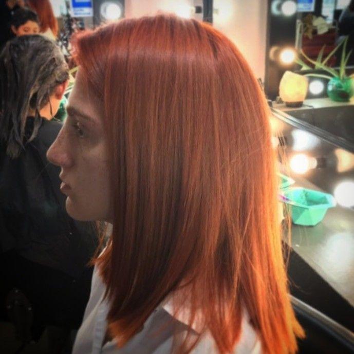 Ere una mujer arriesgada: los tonos cobrizos son una buena opción para ti, son hermosos. Colorista: #marentesrick  #fascinacaobylee #peluqueriadeautor #peluquerosurbanos #peluquerosapasionados #Puebla #pueblacapital #mx #hair #haircolor #haircut #hairlove #hairs #hairlook #cobrizo