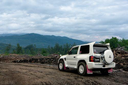 Mitsubishi Pajero Evolution, off-road badness.