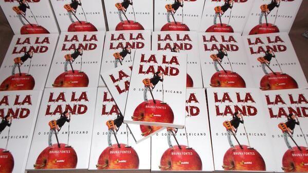 Esta obra de arte veio da imaginação de uma fã inspirada pela música de Demi Lovato. Conheçam Bruna Fontes. Entrevista exclusiva por Camila Sa: http://www.hollywoodeaqui.com/la-la-land-o-livro-inspirado-na-musica-de-demi-lovato/