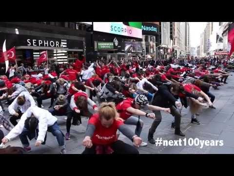 Amerika'da Türk Bayraklı Mükemmel dans gösterisi #Next100Years - YouTube