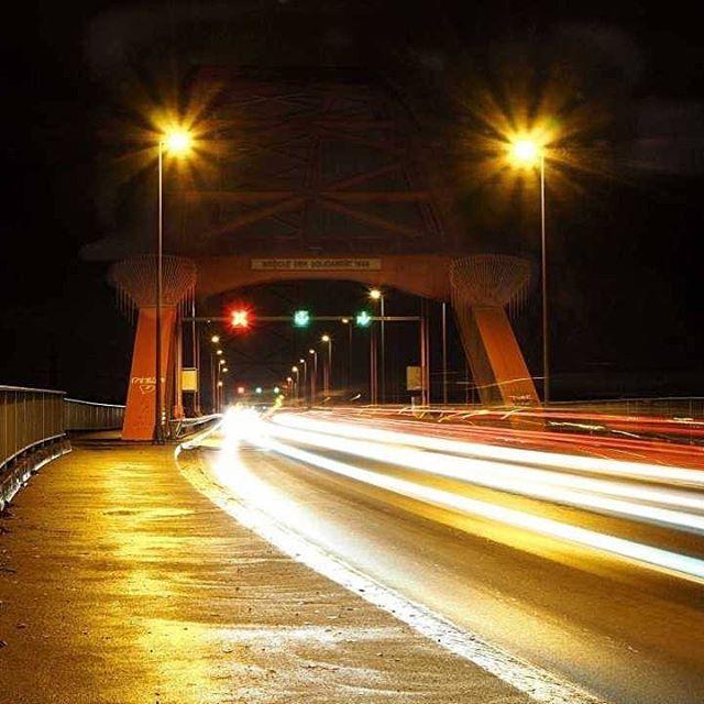 Brücke der Solidarität  #duisburg  #hochfeld #brücke #rhein #nachtaufnahme #solidarität