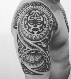 tatuaje-maori-media-manga
