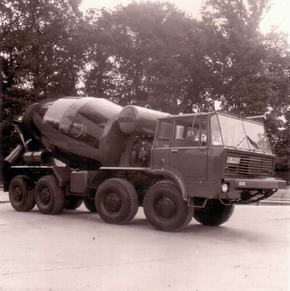 Tatra T813 8x8 cement mixer