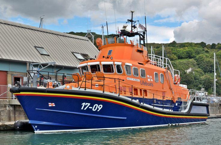 Dover lifeboat City of London II 17-09. | RNLI Lifeboats ...
