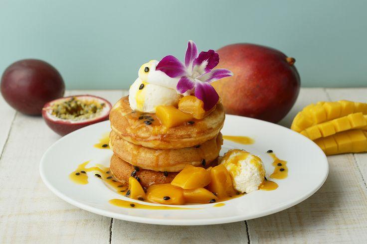 トロピカルフルーツたっぷりのハワイアンフードを食べて、オリジナルグッズをGETしよう!